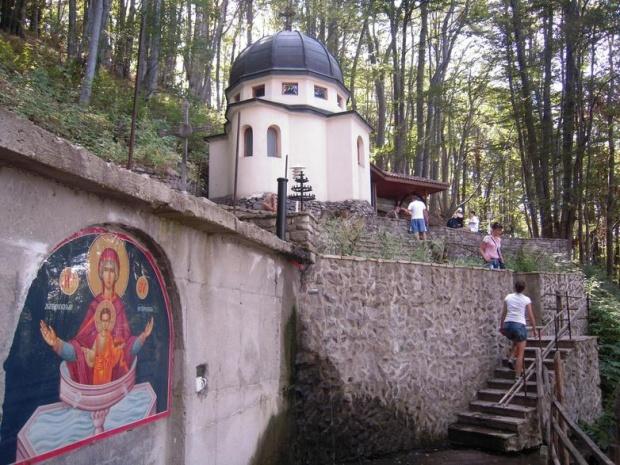 Хиляди вярващи изпълниха Кръстова гора