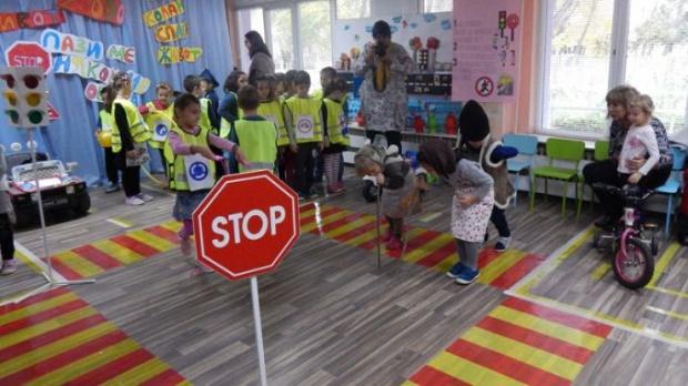 Още тази година учениците ще учат за безопасността на движението по пътищата