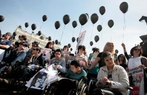 Протестиращите майки на деца с увреждания започват директни преговори с
