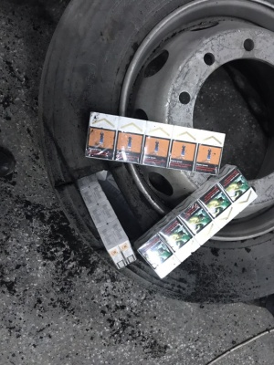 Нов опит за пренасяне на контрабандни цигари предотвратиха митническите служители