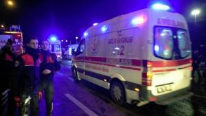 Двама български шофьори бяха ранени, след като ТИР-ът им се
