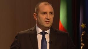 ПрезиденътРумен Радевс призив към съдебната власт и полицията да реши