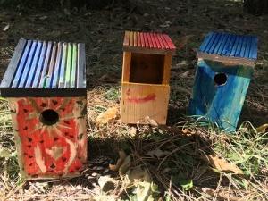 Започна поетапно поставяне на общо 400 къщички за птици в