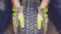 КЗП проверява търговците на зимни гуми