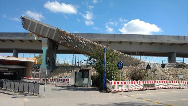 Наводненията в Италия срутиха мост