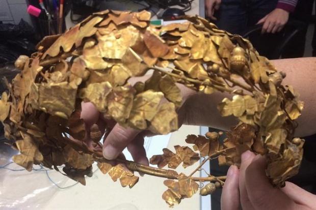 Износ на уникално антично златно съкровище хванаха спецслужбите