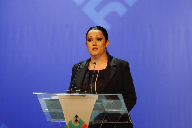 Павлова остава министър до края на еврошефството на Австрия