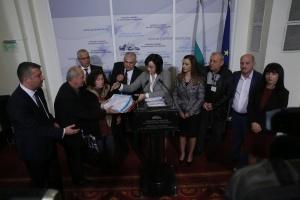 """""""Внасяме 30000 подписа в Народното събрание, събрани от """"Съюз на"""
