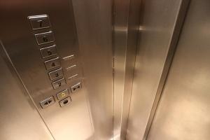 Снимка: Държавата ще въвежда още по-строги мерки за безопасност в асансьорите