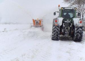 Поради липсата на постоянно живущо население, автомобилен трафик през зимния