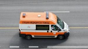 51-годишна пешеходка е пострадала, след като е блъсната от лек