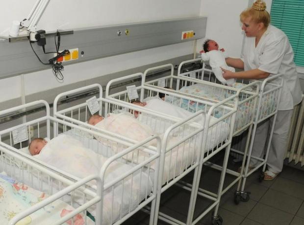 Едно на всек 10 новородени българчета - недоносено