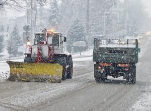 Заради обилния снеговалеж в София, 160 снегорина започнаха да почистват