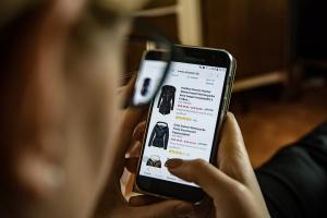 Онлайн пазаруването става все по-предпочитано у нас, но то е