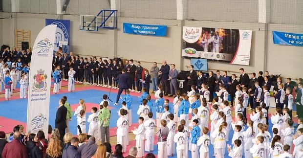 Коледният турнир по таекуон-до събра 384 състезатели от 4 държави