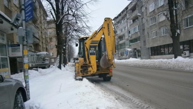 Над 170 снегопочистващи машини са на терен в София