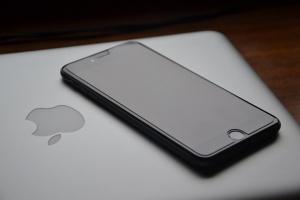 Президентът на САЩ Доналд Тръмп призова Apple да започнат да