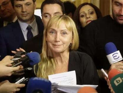 Снимка: Повдигнаха обвинение на Елена Йончева за пране на пари
