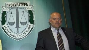 Привлеченият като обвиняем по разследването, по което депутатът Елена Йончева