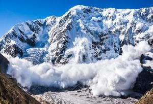 Снимка: Има лавинна опасност в планините, предупредиха от ПСС