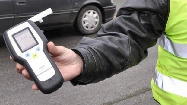 Подменяли алкохолни проби на пияни шофьори срещу 1000 лева
