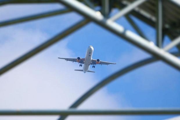 Заради лошото време: Отменени полети от германски летища