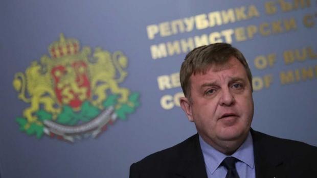 Каракачанов: Всяка община да започне да бута незаконни постройки!