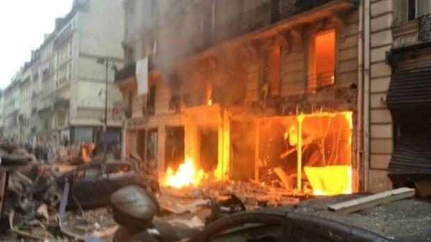 Експлозия избухна в хлебарница в Париж, има пострадали