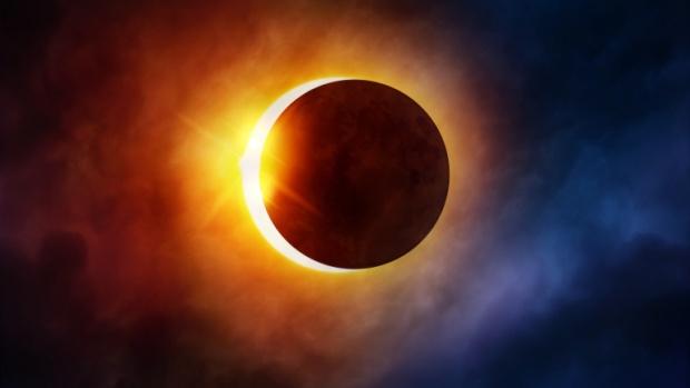 Три слънчеви и две лунни затъмнения през годината