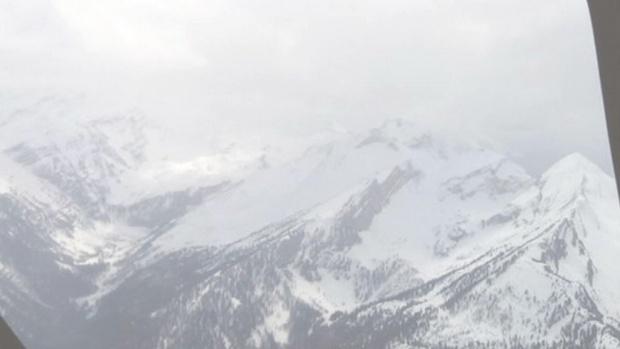 Двама загинаха при опит за контролирано взривяване на преспа във френските Алпи