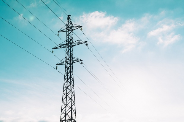 """Експерти: Когато токът се купува """"ден напред"""", цената му скача"""