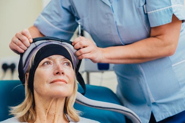 В Световния ден за борба с рака у нас идва технология за запазване на косата при химиотерапия