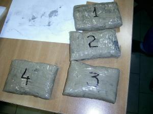 """Снимка: Хванаха нашенец с 4 кила хероин на """"Капитан Андреево"""""""