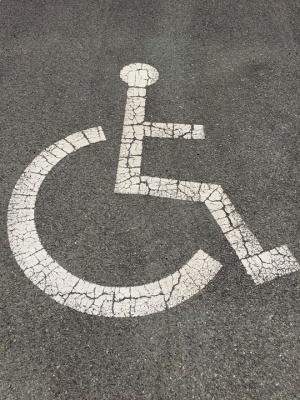 Започнаха изплащането на новите помощи за хората с увреждания