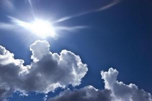 Преди обяд ще преобладава слънчево време. След обяд облачността от