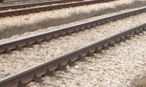 Счупване на релса е причината за дерайлиране на влаковата композиция