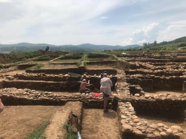 """Готов е проектът за преместване на археологическите ценности, открити по трасето на """"Струма"""""""