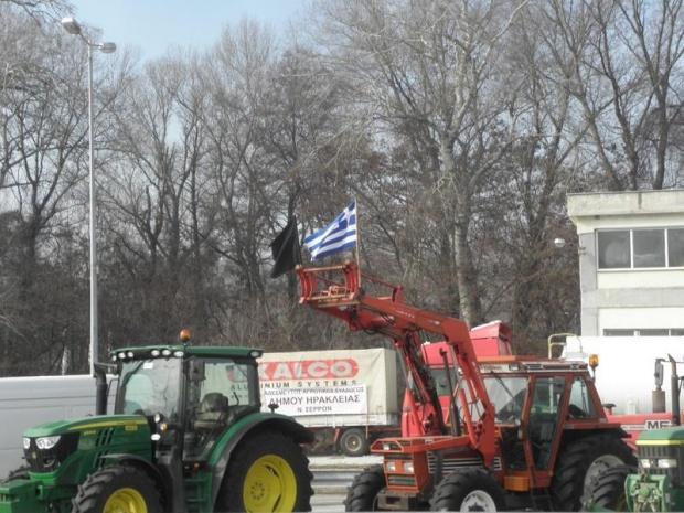 Протестиращите гръцки фермери блокираха и нови пътища