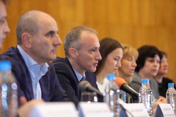 Цветанов: Инвестициите в образованието са инвестиции в бъдещето