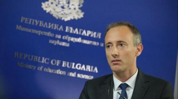 Красимир Вълчев: За година и половина са записани близо 40 000 деца в училище