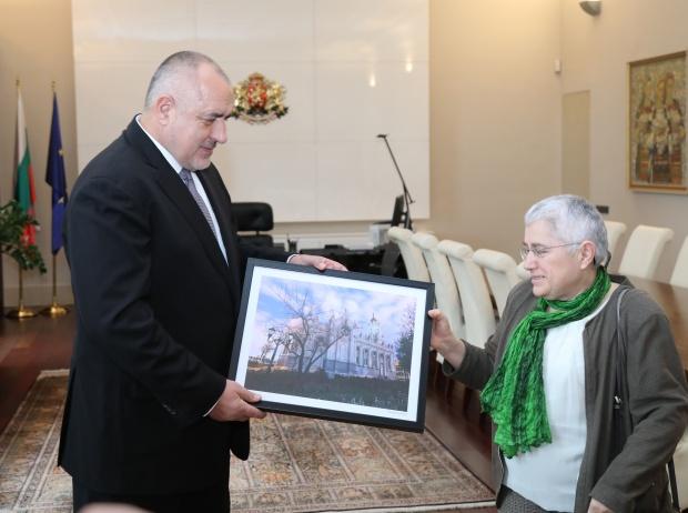 """Премиерът се срещна с архитекта Фикрие Булунмаз, под чието ръководство бе реставрирана желязната църква """"Св. Стефан"""" в Истанбуи"""