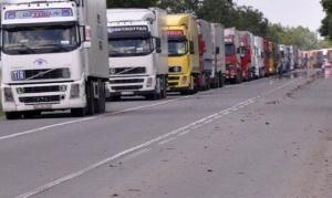 Снимка: Спират тировете по магистралите утре от 14 ч. до 20 ч.