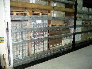 7200 л спирт, маскиран като кокосово мляко, иззеха митнически служители