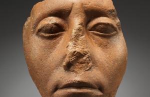 Повечето древноегипетски статуи са с отчупени носове, защото крадците съзнателно