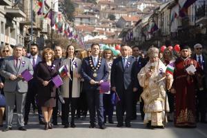 """""""И днес, както и в миналото, Велико Търново е един"""