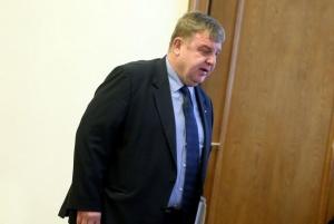 Според Каракачанов скандалът с апартаментите намирисва на предизборна кампания