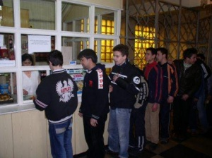 Ученици в София ще плащат в школския бюфет с електронна
