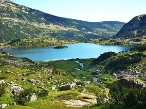 """Седем от езерата в Национален парк """" Пирин"""" са силно"""
