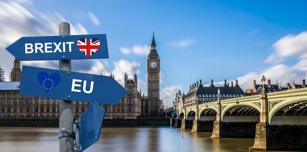 Мей отправи молба към депутатите да подкрепят сделката й за Brexit