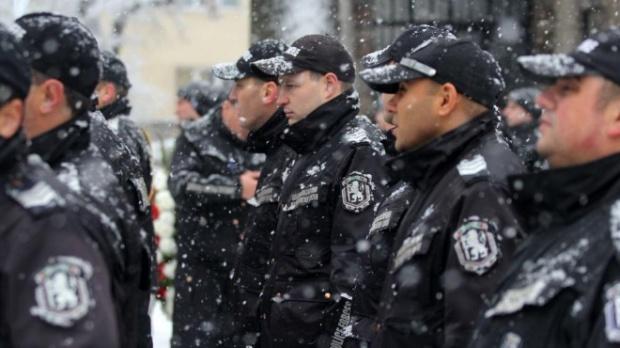 Полицаи, пожарникари и спасители са готови на протести